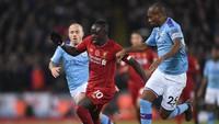 Akui Liverpool Terlalu Jauh, Fernandinho Fokus Kejar Leicester Dulu