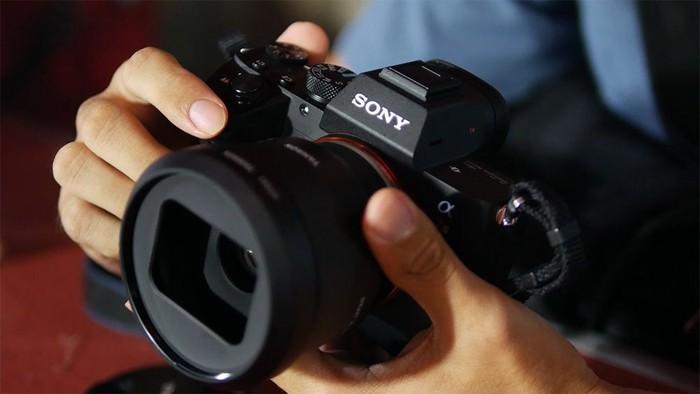 Lensa Tamron 35mm f/2.8. Foto: Enche Tjin