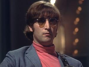 Wow, Kacamata Rusak John Lennon Laku Rp 2,5 M