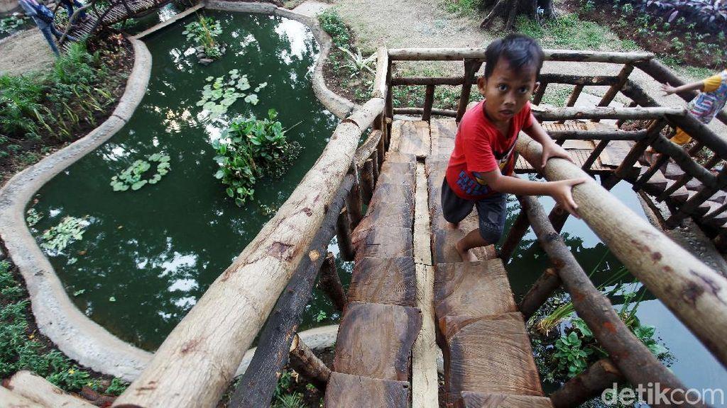 Ada Permainan Tradisional di Taman Tomang Rawa Kepa, Seru Banget!