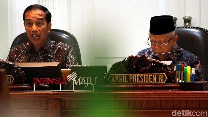 Presiden Jokowi didampingi Wapres Maruf Amin menggelar rapat terbatas membahas soal pemindahan Ibu Kota baru.