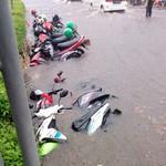Dear Abang Ojol, Motor Terendam Banjir Dikasih Servis Gratis Nih!