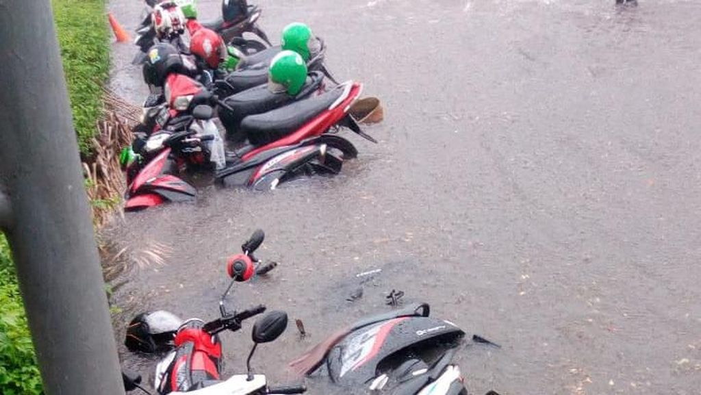 Supaya Air Tak Antre Masuk Got, Pemprov DKI Tambah Mulut di Senayan