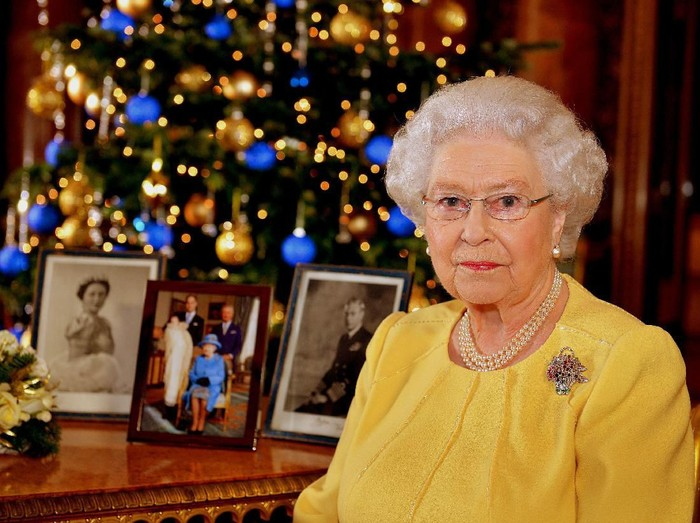 KINGS LYNN, ENGLAND - DECEMBER 25: Queen Elizabeth II leaves after attending Christmas Day Church service at Church of St Mary Magdalene on the Sandringham estate on December 25, 2018 in Kings Lynn, England. (Photo by Stephen Pond/Getty Images)