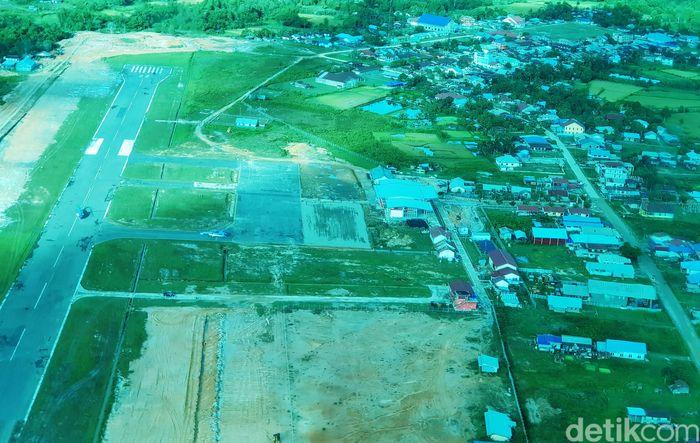 Begini penampakan Bandara Yuvai Semaring dari udara.