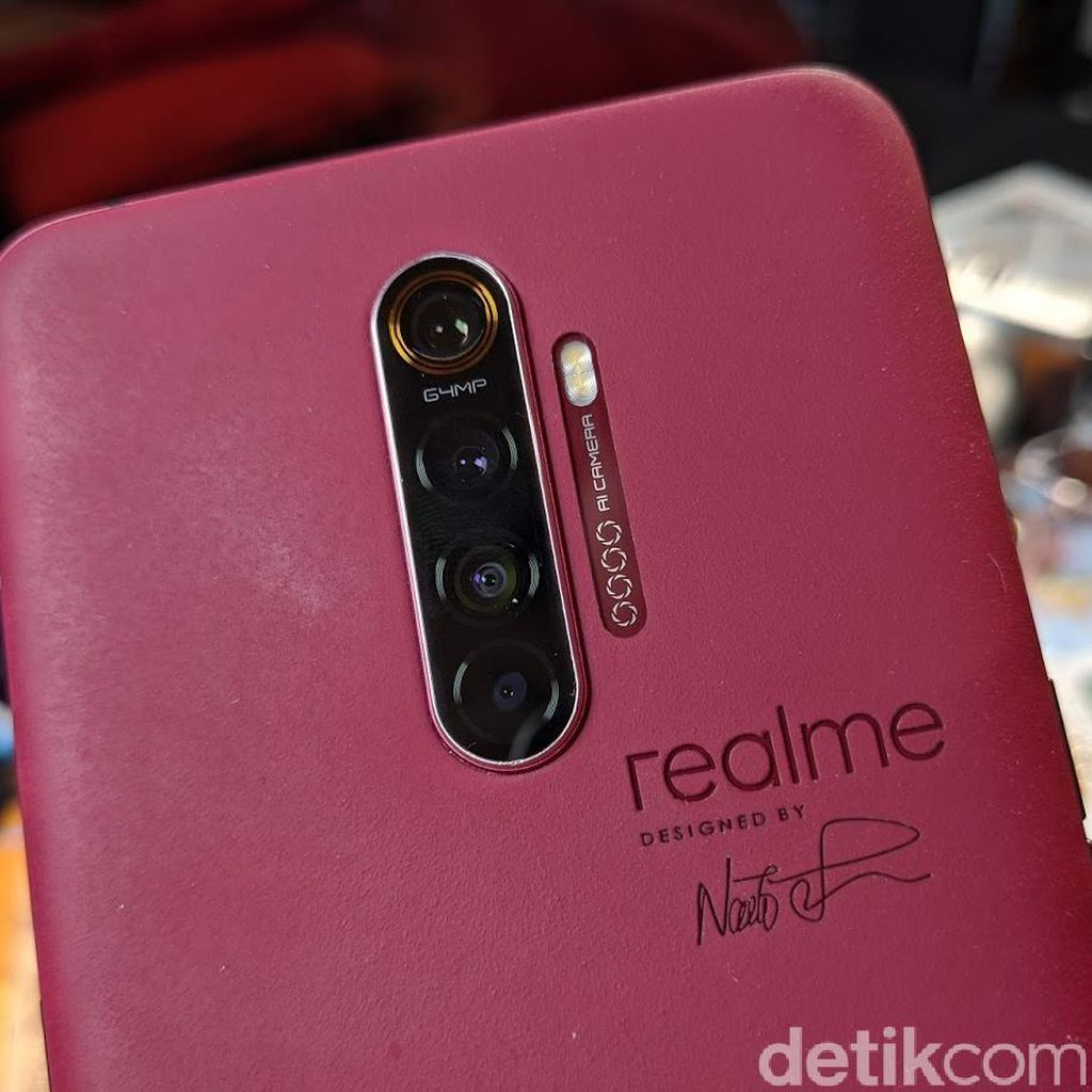 Ponsel Flagship Realme Pecahkan Rekor di AnTuTu
