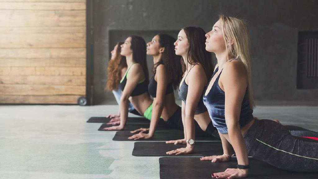 Jaga Jarak dengan Yoga #dirumahaja Gratis Bersama Para Coach Yoga Ini Yuk