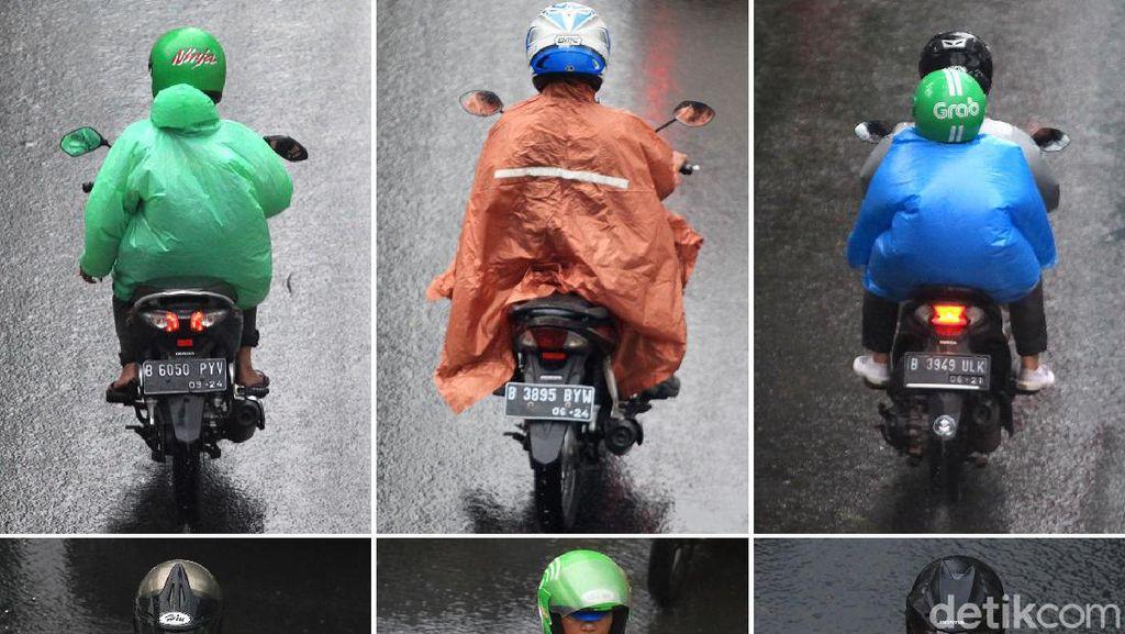Untung dan Ruginya Dua Model Jas Hujan di Pasaran