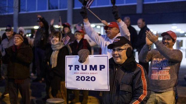 AS Panas, Warga Terbelah Voting Pemakzulan Trump