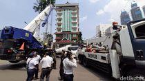 Truk Tangki Jeblos di Depan Thamrin City Berhasil Dievakuasi Setelah 4 Jam