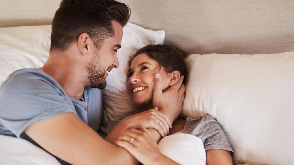 5 Rutinitas Sebelum Tidur untuk Jaga Keintiman dengan Suami