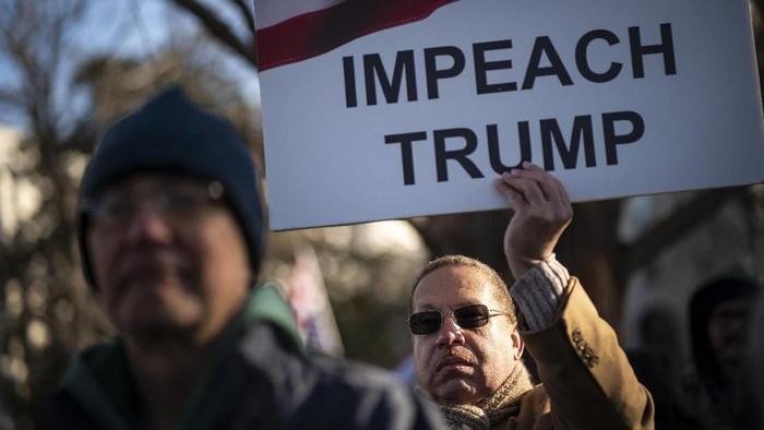 DPR AS memakzulkan Presiden Donald Trump usai menggelar voting dua dakwaan pemakzulan. Proses voting itu pun menarik perhatian masyarakat Amerika Serikat.