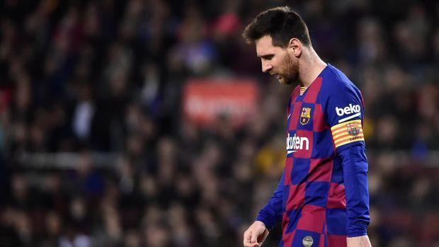 Lionel Messi berpeluang dimainkan sebagai penyerang tengah bersama Quique Setien.
