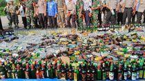 Musnahkan 5.000 Miras, Kapolres Jakut: Agar Tahun Baruan Tak Mabuk-mabukan