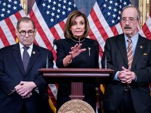 Donald Trump Dimakzulkan, Bros Ketua DPR AS Nancy Pelosi Curi Atensi