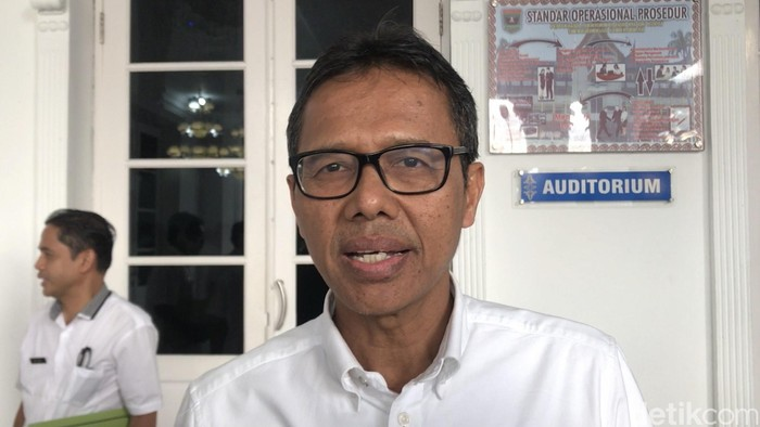Gubernur Sumbar Irwan Prayitno (Jeka Kampai/detikcom)