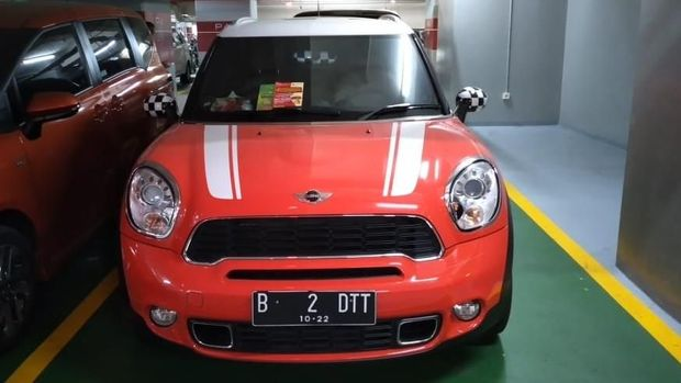 Razia Kendaraan di Mal, BPRD DKI Temukan Rubicon-Mini Cooper Nunggak Pajak