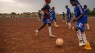 Sepakbola Hancurkan Mimpi Buruk Pernikahan Dini di Niger