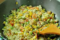 Yuk, Bikin Nasi Goreng Udang Sayuran yang Renyah Gurih Buat Sarapan!