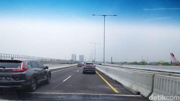 Tol Layang Japek Bikin Mual, Banyak Pengendara Melebihi Speed Limit