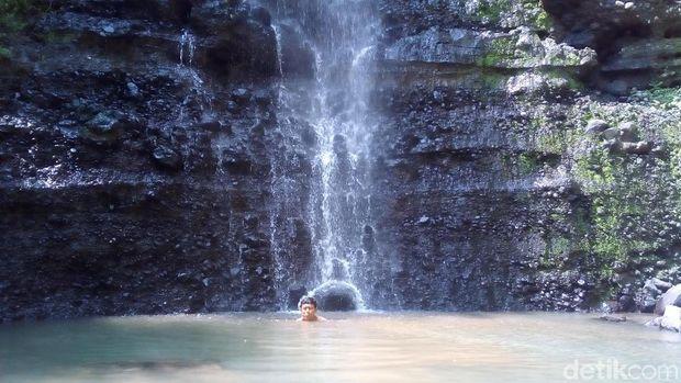 Air Terjun Watu Gompeng Kudus, Tempat Asri buat Liburan Akhir Tahun