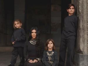 Anak Kourtney Kardashian Pakai Skincare di Usia 10, Ini Kata Pakar Kulit