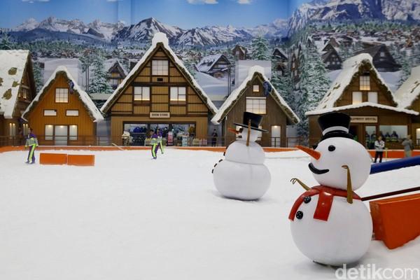 Salju di sini dibuat dari teknologi canggih. Pengunjung tak perlu takut kedinginan karena suhu di sini disetting sekitar 20 derajat celcius (Grandyos Zafna/detikcom)