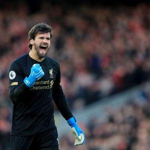 Muka Alisson yang Menyelamatkan Liverpool