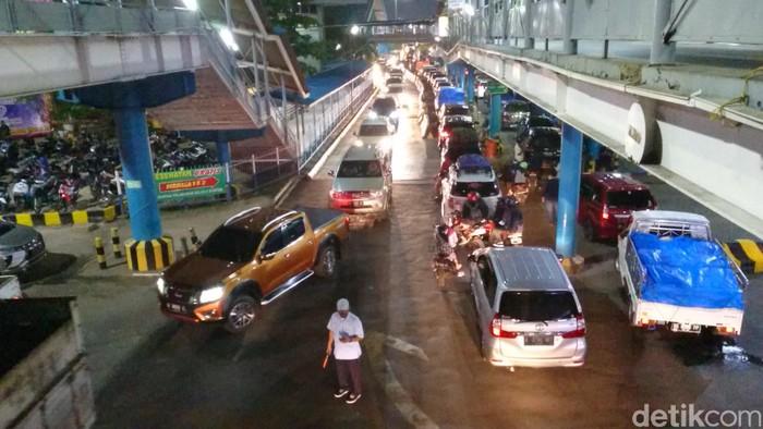Suasana di Pelabuhan Merak, Cilegon, Banten.