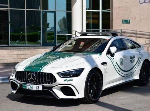 Mobil Sport Baru untuk Patroli Polisi Dubai