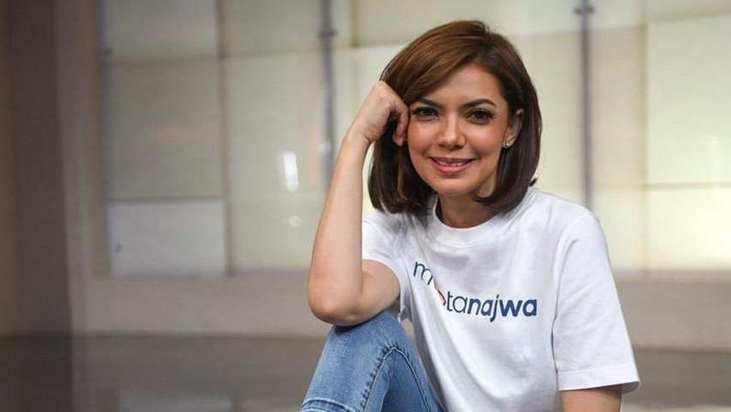 Cerita Seniman yang Viral Karena Membuat Sandal Jepit Berwajah Najwa Shihab