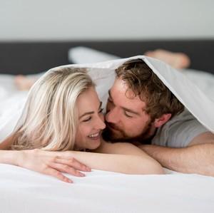 Arti dari 5 Hal yang Dilakukan Pria Setelah Bercinta