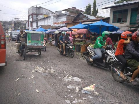 Kawasan sekitar Pasar Sukaramai Medan 'dijajah' PKL (Datuk Haris Molana-detikcom)