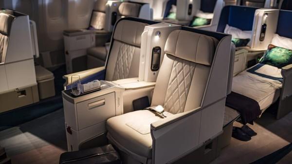 Bernama Crystal Skye, pesawat Crystal Cruises ini bisa dipesan pribadi. Dengan biaya hampir USD 60.000 per jam untuk disewa, Anda bisa menelepon perusahaan terkait rencana perjalanan ke depan (Foto: CNN)