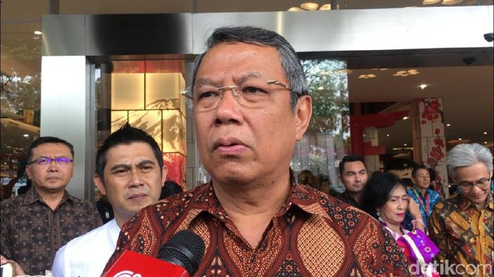 Wakil Walikota Tangerang Selatan Benyamin Davnie di peresmian Transpark Mall Bintaro.
