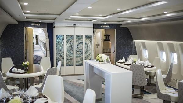 Pesawat jarak jauh berbadan lebar ini telah dilengkapi dengan kabin mewah berkonfigurasi 88 kursi (Foto: CNN)