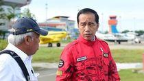 Gaya Hypebeast Jokowi Pakai Jaket Buatan Solo yang Kini Dicari Pembeli