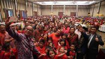 HK, SI, dan PTPN V Bagi-bagi Bingkisan Buat Anak Yatim Jelang Nataru