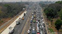 Duh! Sudah Dibangun Bertingkat, Tol Jakarta-Cikampek Tetap Macet