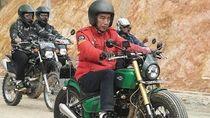 Waduh, Pak Jokowi Hampir Terjatuh Saat Kendarai Motor