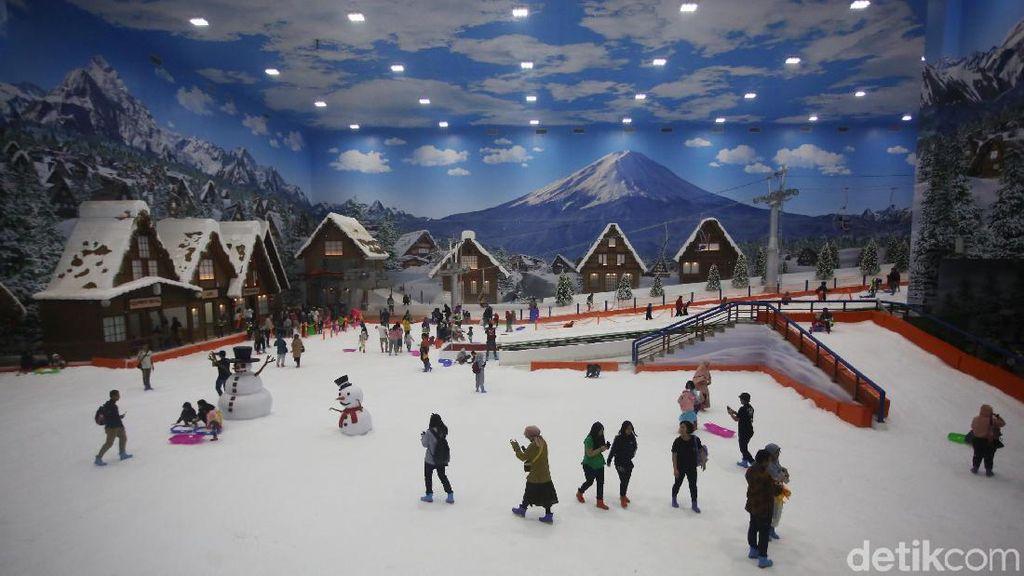Wow! Ada Pesta Bakso di Arena Salju Trans Snow World Bekasi