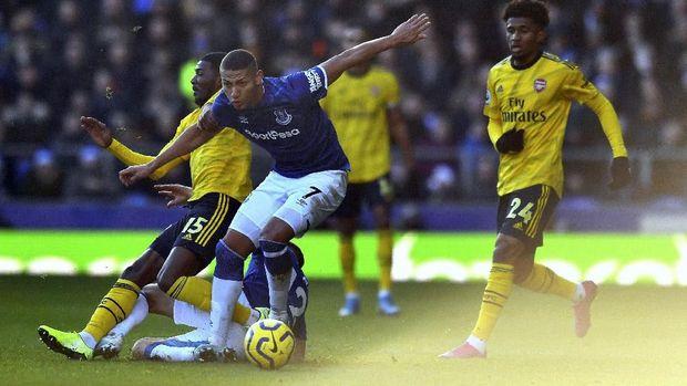 Steward Mirip Mourinho di Laga Everton Jadi Guyonan Netizen