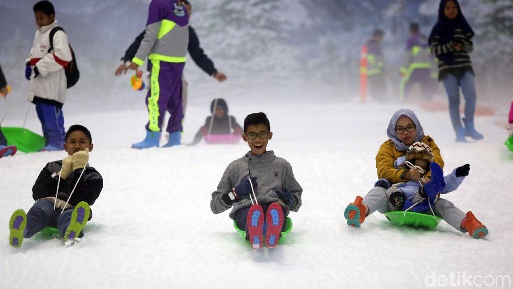Ada Promo Hemat Berempat di Trans Snow World Bintaro, Mau?