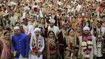 Momen Nikah Massal Ratusan Pengantin di India
