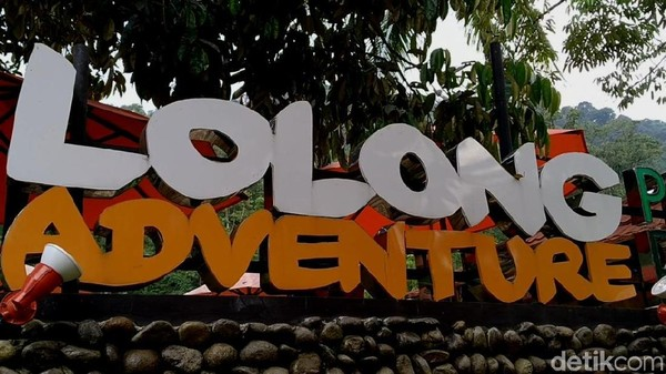Buat kamu yang hobi memompa adrenalin, wajib coba liburan ke Pekalongan. Di sana ada destinasi Lolong Adventure yang menarik untuk dicoba. (Robby Bernardi/detikcom)