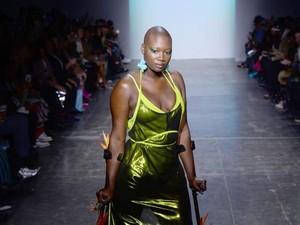 Duka Rihanna untuk Model Difabel Mama Cax yang Meninggal di Usia 30