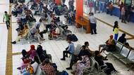 Suasana H-3 Natal di Terminal Kampung Rambutan