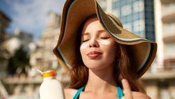 Ini Arti Kode SPF dan PA Pada Sunscreen yang Penting Diketahui