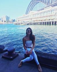 Stephanie saat bersantai di Sydney Harbour, Australia (Instagram/itsstephrice) (Instagram/itsstephrice)