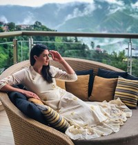 Stephanie juga kerap kali memposting sedang bermalam di resort-resort mewah, seperti di JW Marriott Mussoorie, India ini (Instagram/itsstephrice)(Instagram/itsstephrice)